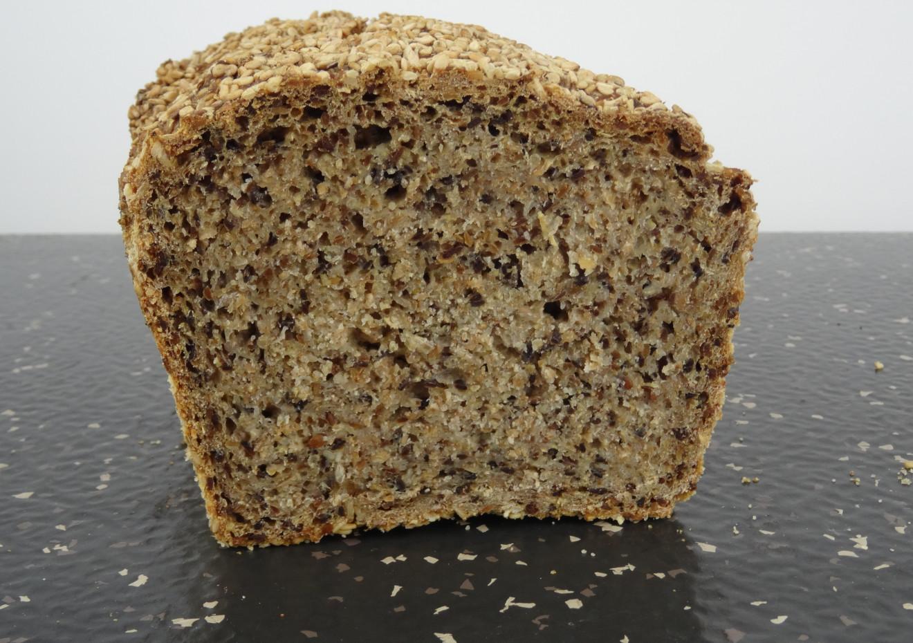 Pan de centeno integral con semillas de sésamo
